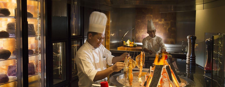 Hotel Hilton Kuala Lumpur, Malaysia - Chambers Bar & Grill