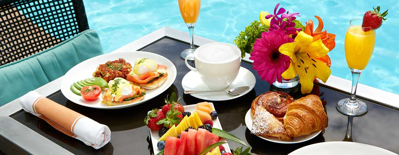 The Beverly Hilton, USA – Speisen direkt am Swimmingpool