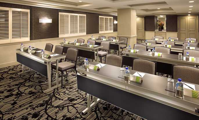 Hilton Checkers Los Angeles hotel - Spacious meeting room