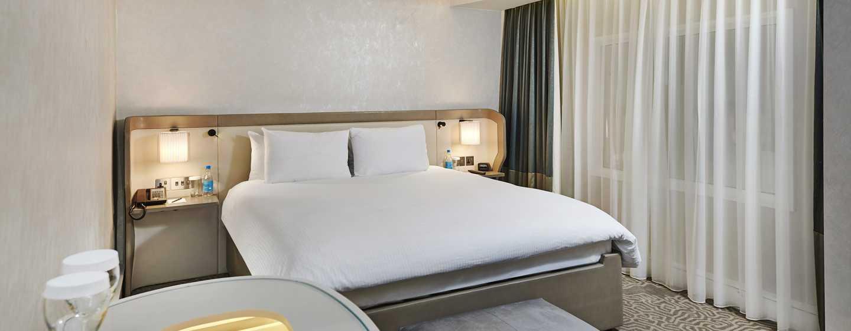 Hilton London Heathrow Airport, Großbritannien - Junior Suite mit King-Size-Bett