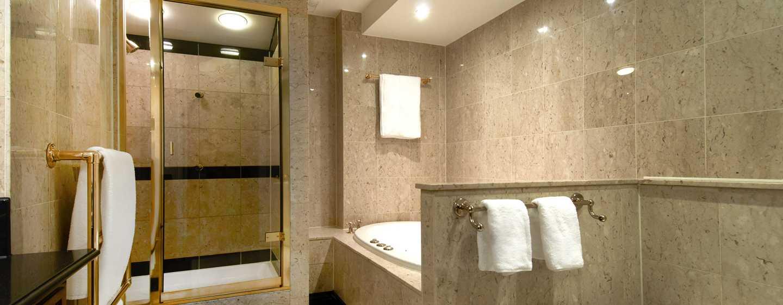 London Hilton on Park Lane Hotel, Großbritannien – Badezimmer
