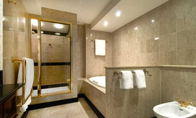 London Hilton on Park Lane, Regno Unito - Bagno della Suite Presidential