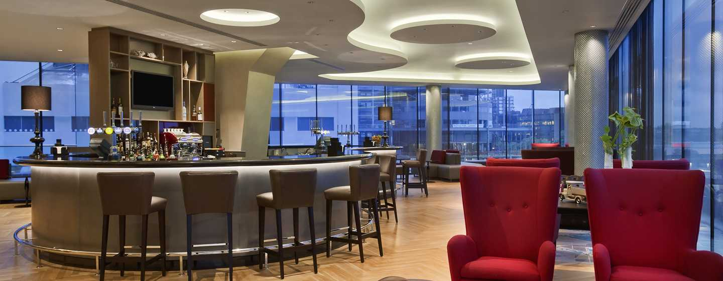 "Hilton London Wembley Hotel, Großbritannien – Bar ""Icons"""