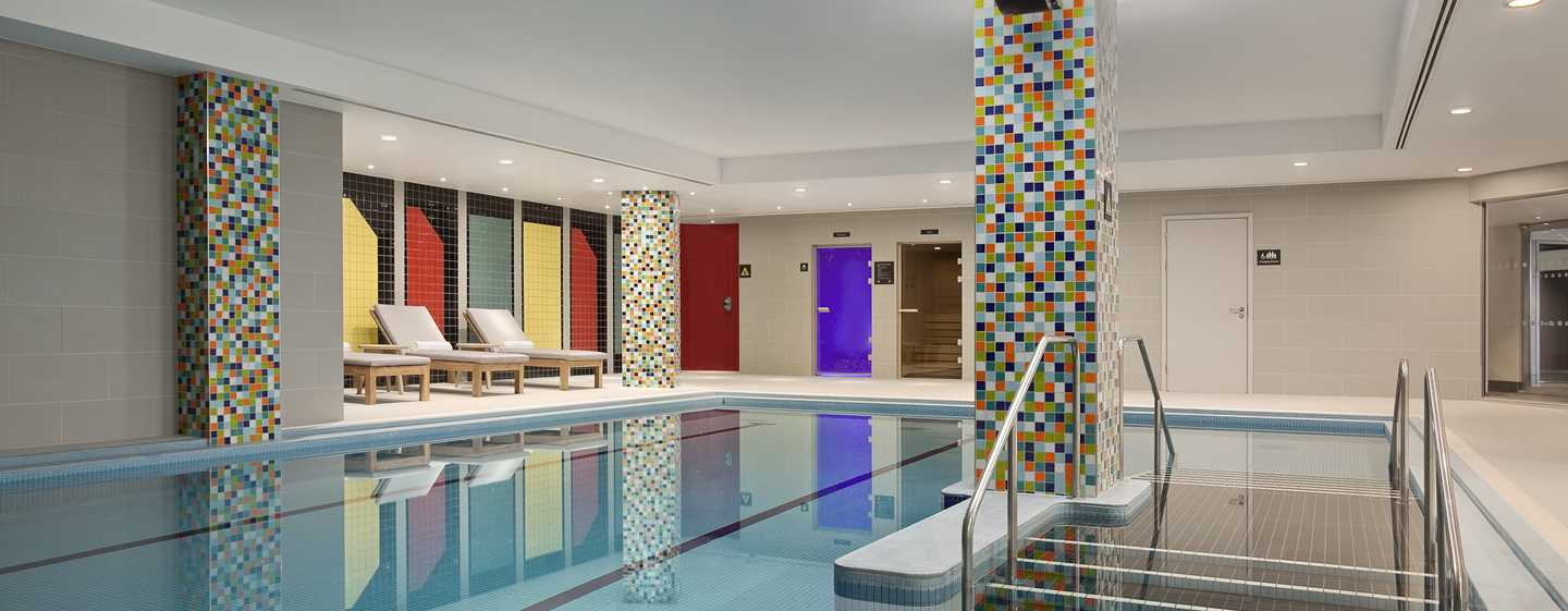 Hilton London Wembley Hotel, Großbritannien – Swimmingpool