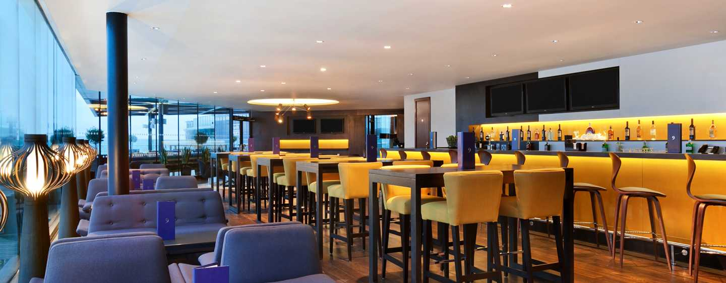 Hilton London Wembley Hotel, Großbritannien – Sky Bar 9