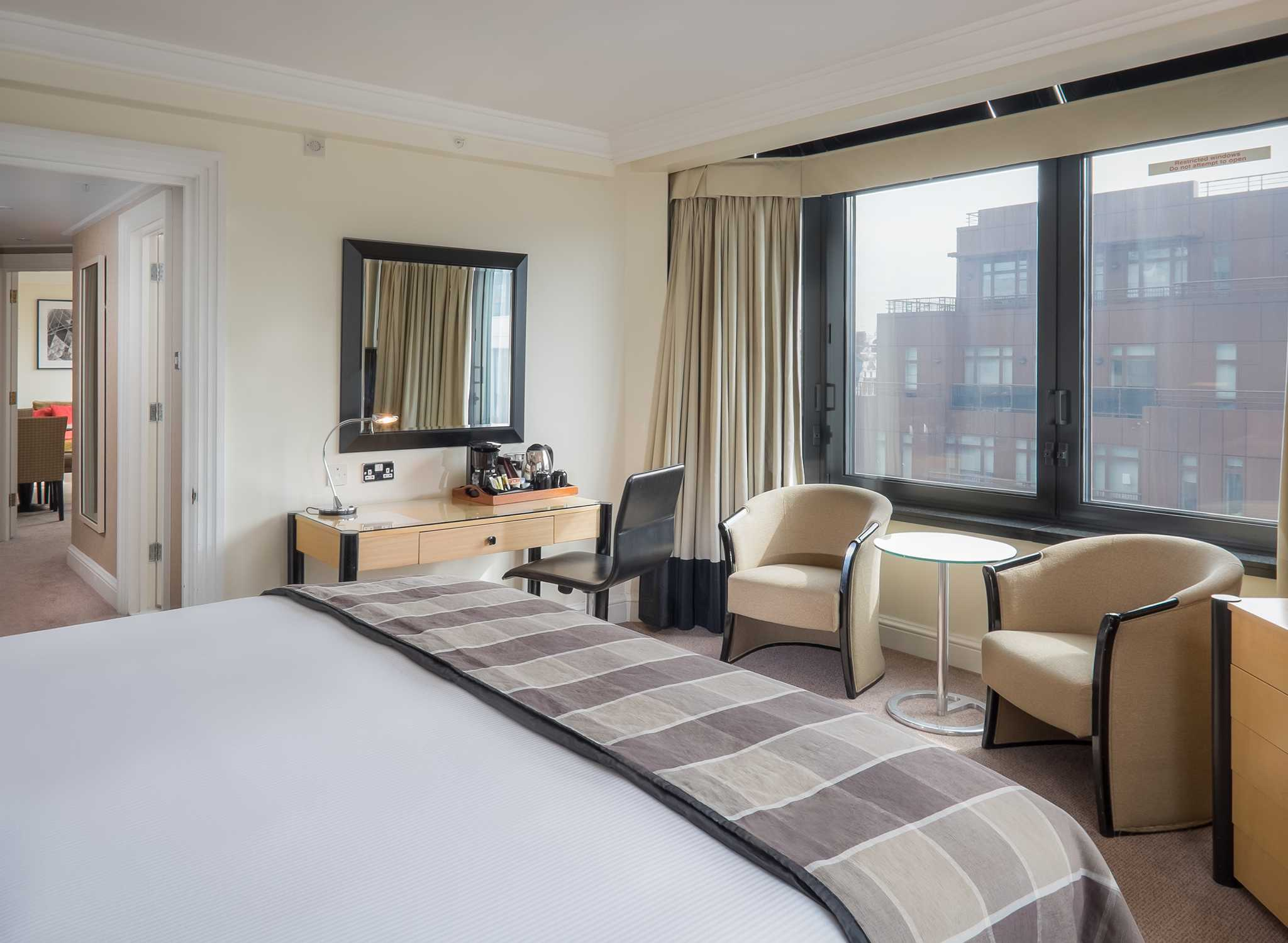 Hilton London Metropole Hotel U2013 Suite Mit King Size Bett