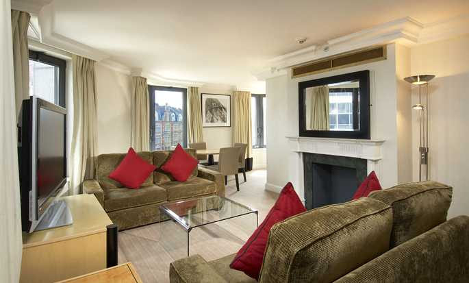 Hilton London Metropole Hotel – Octagon king-suite