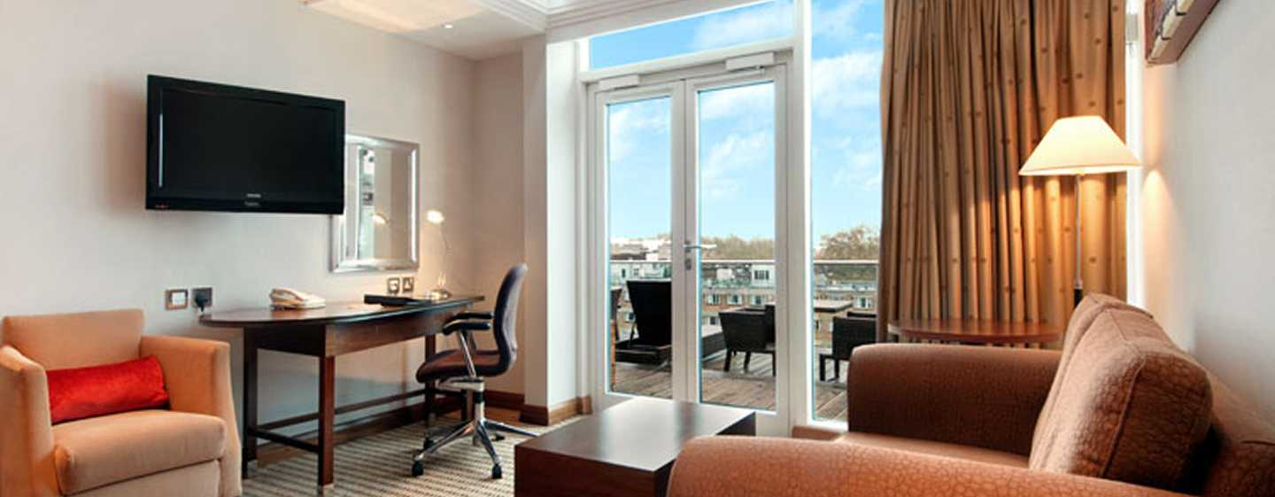 Hilton London Paddington, Großbritannien – Hilton Suite mit Queen-Size-Bett