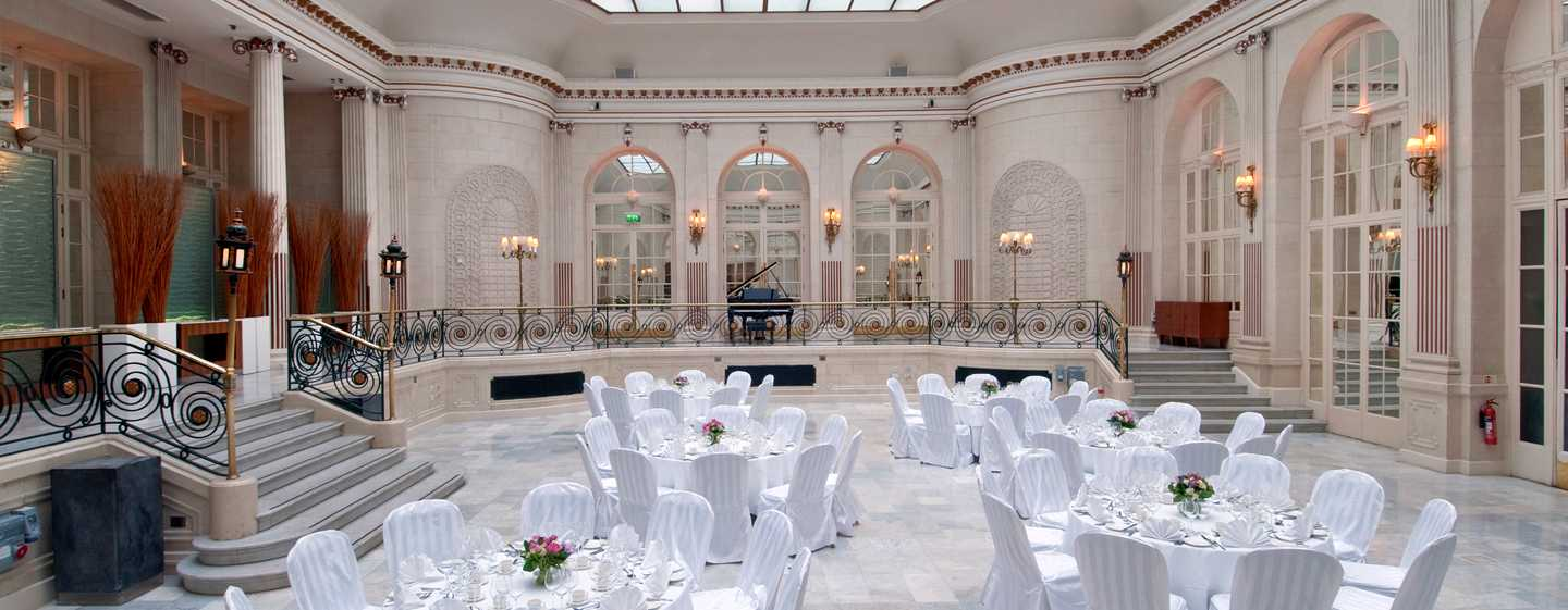 The waldorf hilton london   luxe hotel in londen west end