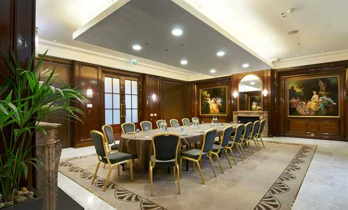 The Waldorf Hilton, London, Großbritannien – Boardroom