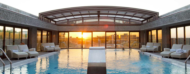 Hilton Madrid Airport, España - Piscina al aire libre