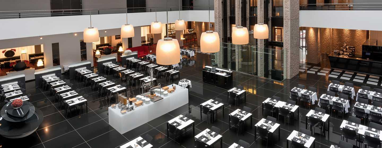 Hilton Madrid Airport, España - Restaurante La Plaza