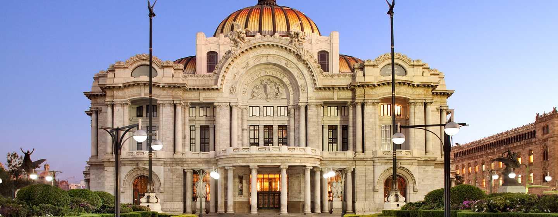 Hilton Mexico City Reforma, México – Palacio de Bellas Artes