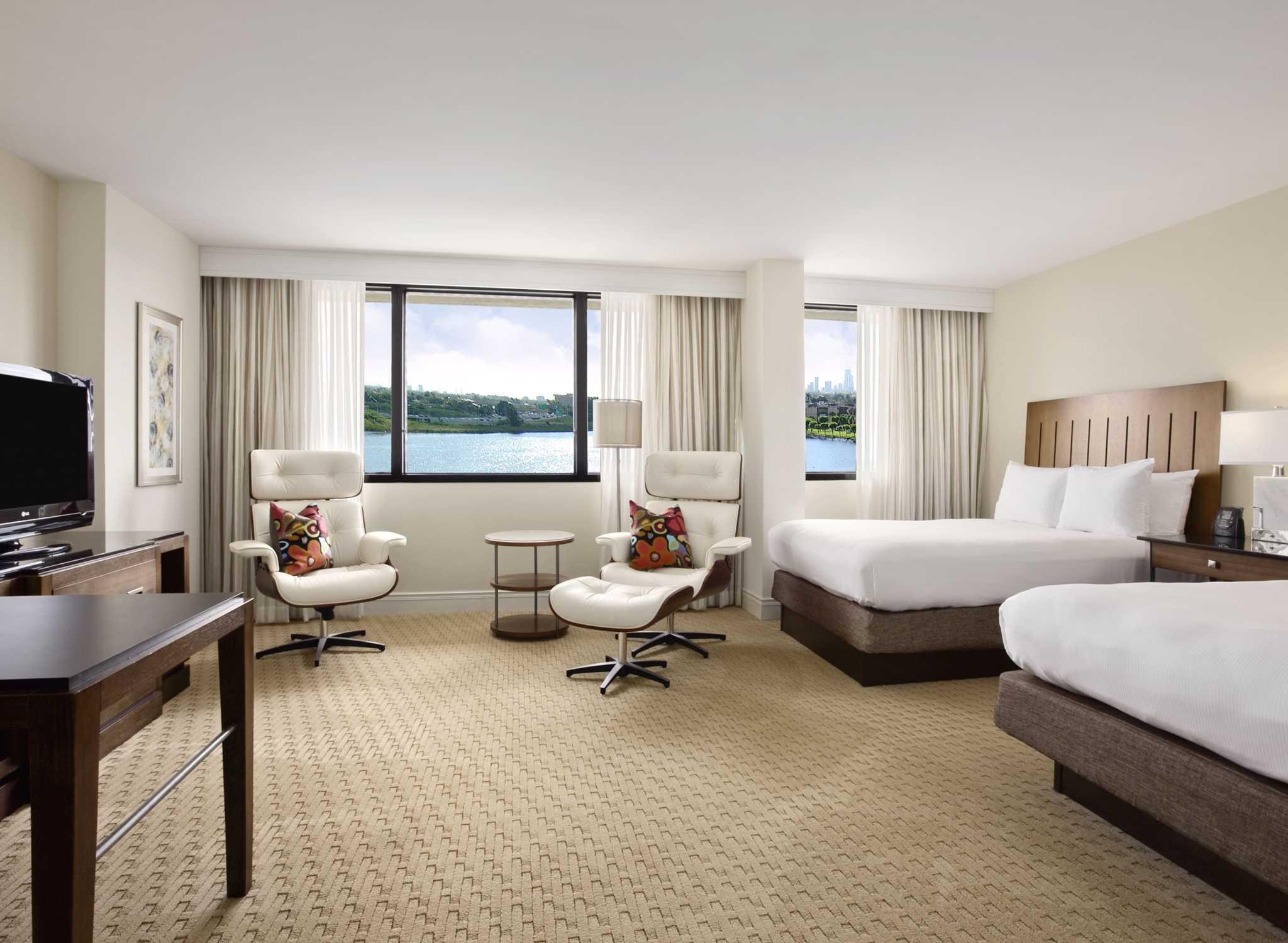 Blue Lagoon Hilton | Wedding Tips and Inspiration