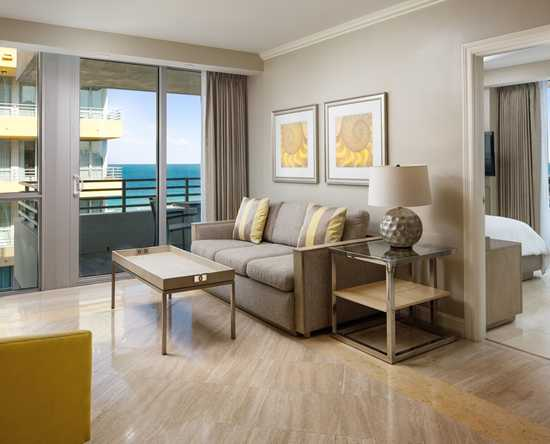 Hilton Bentley Miami/South Beach, Florida - Suite de un dormitorio con vista al mar
