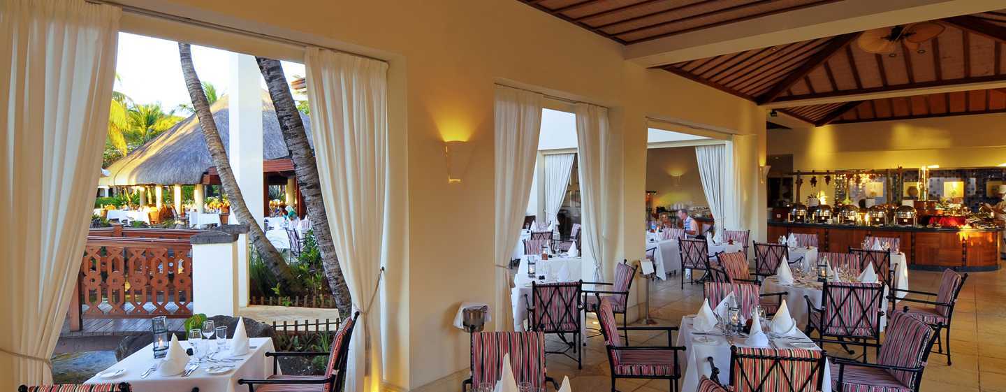 "Hilton Mauritius Resort & Spa Hotel – ""La Pomme D'amour"" am Abend"