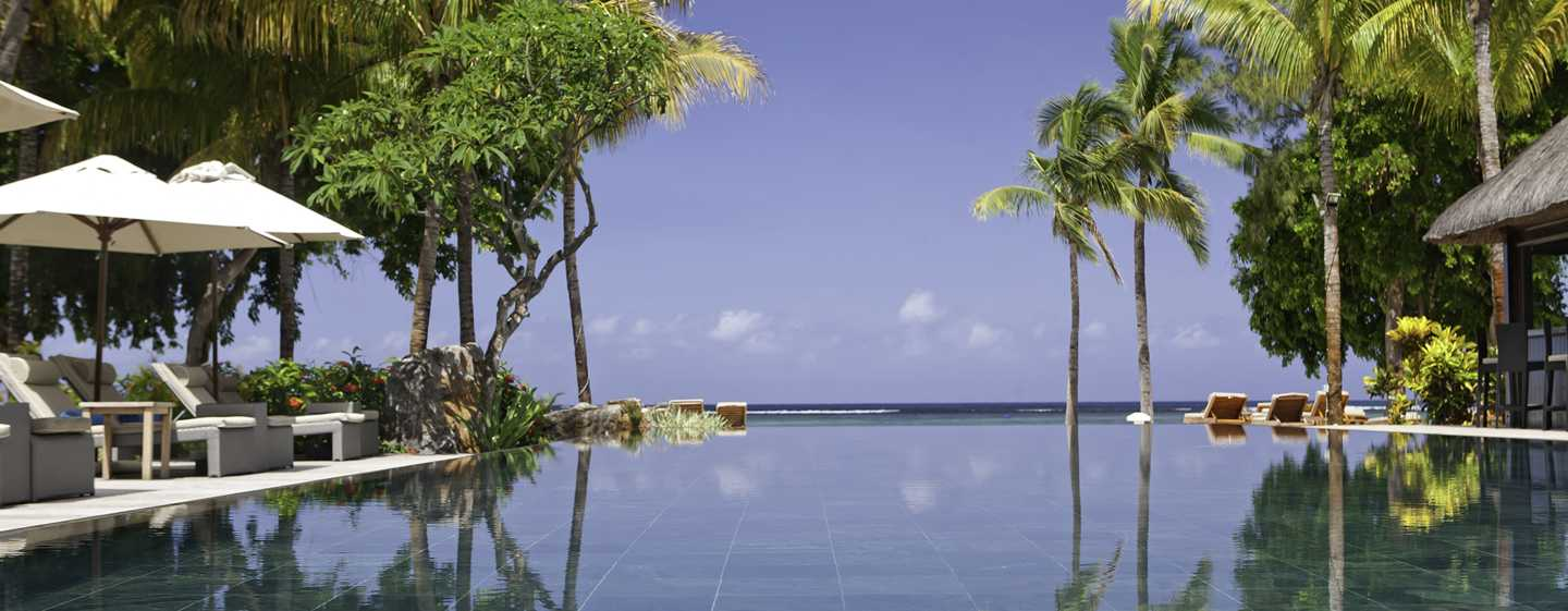 Hilton Mauritius Resort & Spa Hotel – Infinity Pool