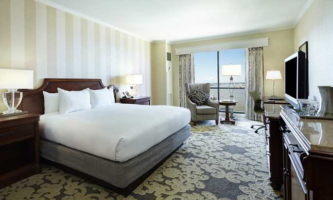 Hilton New Orleans Riverside hotel - Standard King with River View