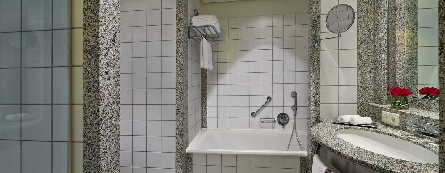Hotel Hilton Munich Airport, Germania - Bagno della Suite Junior