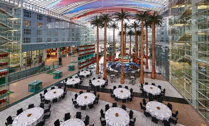 Hôtel Hilton Munich Airport Allemagne Atrium