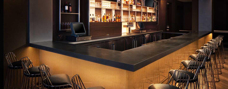Hilton Brooklyn New York Hotel, USA– Black Walnut Bar
