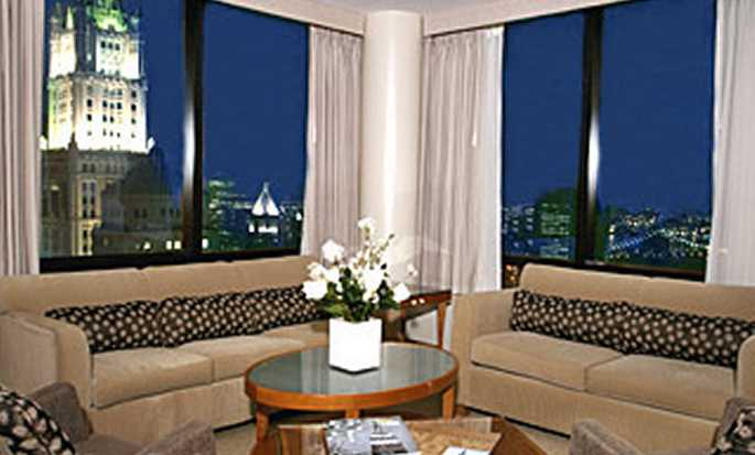 Hôtel Millennium Hilton New York Downtown - Suite Living Area