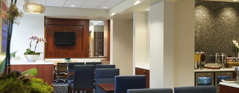 Hilton Chicago/Magnificent Mile Suites Hotel, USA– Executive Lounge