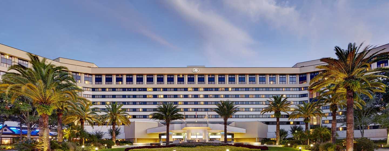 Hotel Hilton Orlando Lake Buena Vista, Florida, EE. UU. - Fachada del hotel