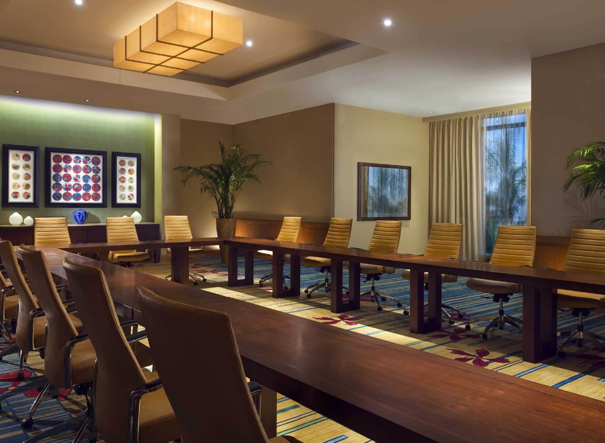 hilton international hotels Go hilton is available to employees at hilton corporate offices and its owned and managed properties.