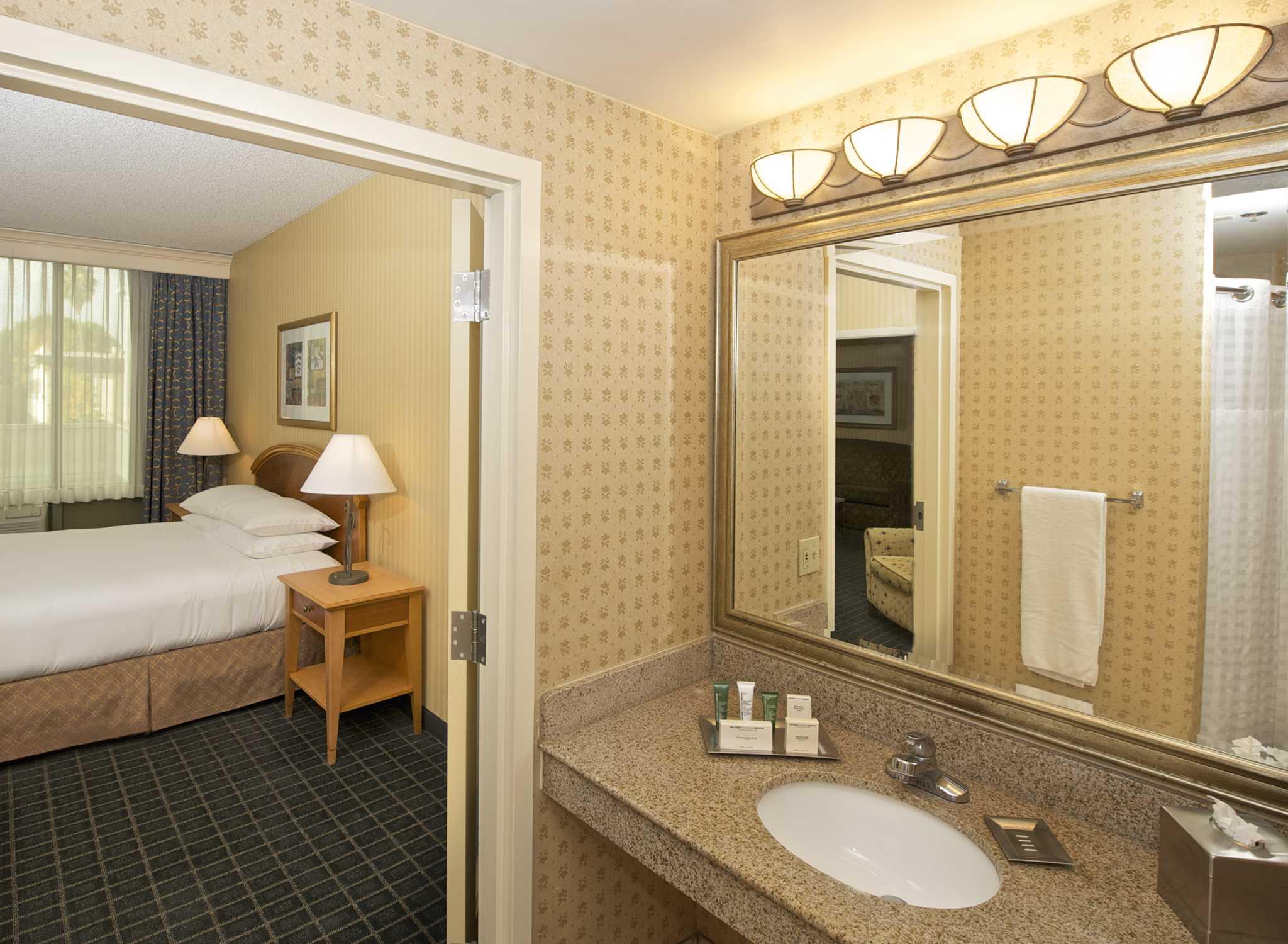 H Tel Hilton Pasadena Pr S De Los Angeles