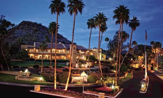 Hôtel Pointe Hilton Squaw Peak Resort, Phoenix, Arizona - Bâtiment Palacio