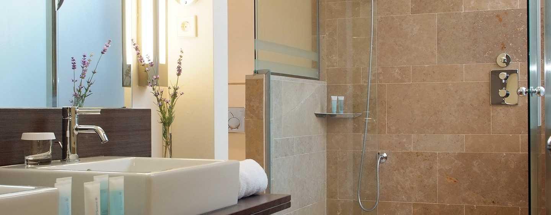 Hilton Sa Torre Mallorca Resort, España - Baño de la suite con cama King