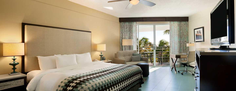 Hilton Ponce Golf & Casino Resort, Puerto Rico - Habitación con cama King y balcón