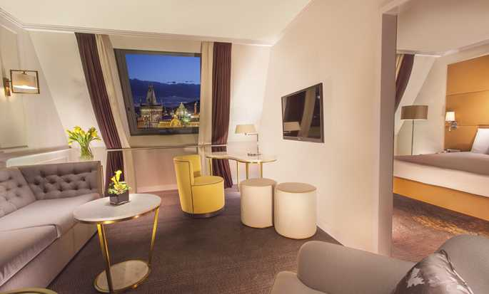 Hotel Hilton Prague Old Town, Czechy – Salon w apartamencie Executive