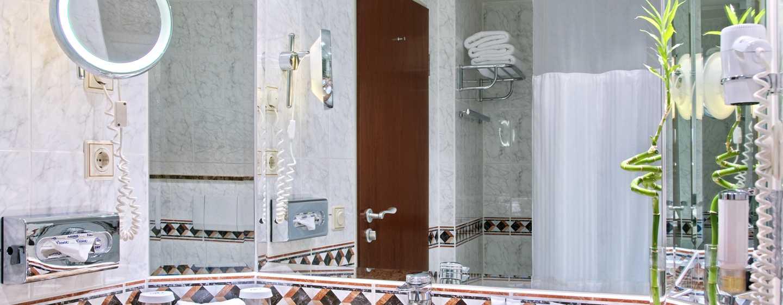 Hilton Mainz City Hotel, Deutschland– Badezimmer