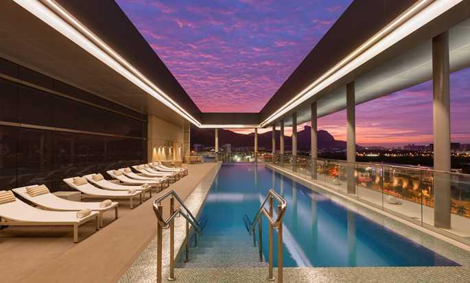 Hotel Hilton Barra Rio De Janeiro, Brasil U2013 Piscina Na Cobertura