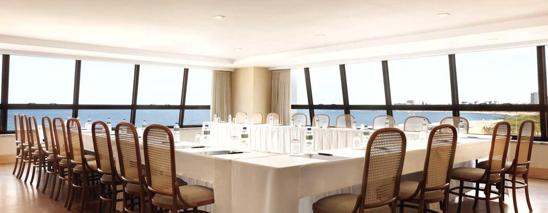 Hotel Hilton Rio de Janeiro Copacabana, Brasil - Sala de reuniones con vista al mar