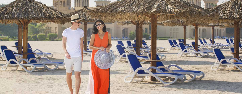 Hilton Al Hamra Beach & Golf Resort -hotelli, Ras Al Khaimah, Yhdistyneet arabiemiirikunnat – ranta pariskunnille