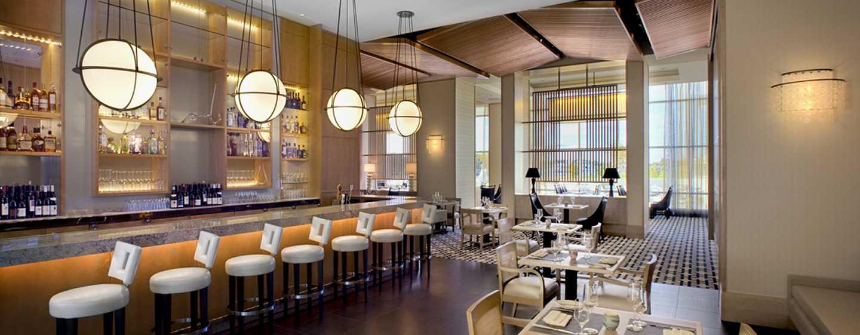 Hilton San Diego Bayfront, Kalifornien, USA– The Pool Club