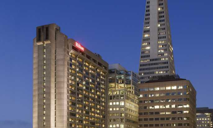 Hilton San Francisco Financial District, USA – Fasaden i skymningen
