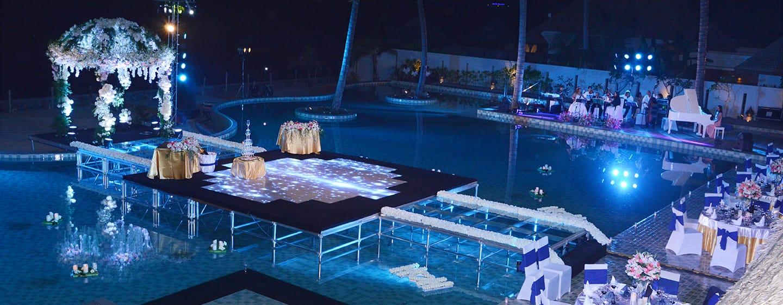 Hilton Ngapali Resort & Spa Hotel, Myanmar – Am Swimmingpool
