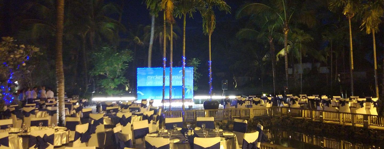 Hilton Ngapali Resort & Spa Hotel, Myanmar – Speisen im Freien