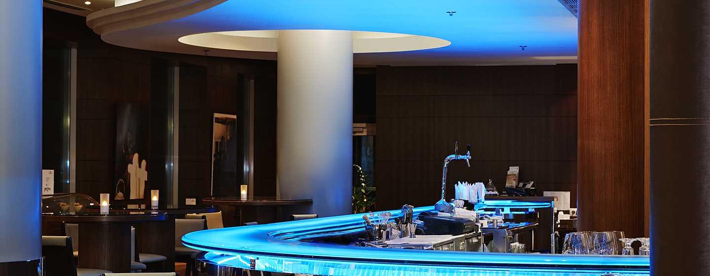 """Хотел Hilton Sofia, България - кафе-бар """"Артисти"""""""