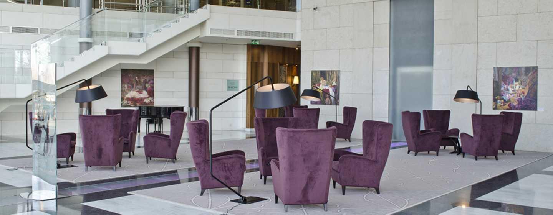 Хотел Hilton Sofia, България - стъкленият атриум