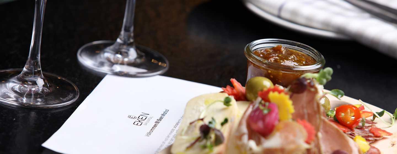 Hotell Hilton Stockholm Slussen, Sverige – måltid i Eken Bar