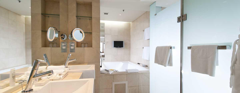 โรงแรม Hilton Sydney ออสเตรเลีย - ห้องน้ำกว้างขวาง