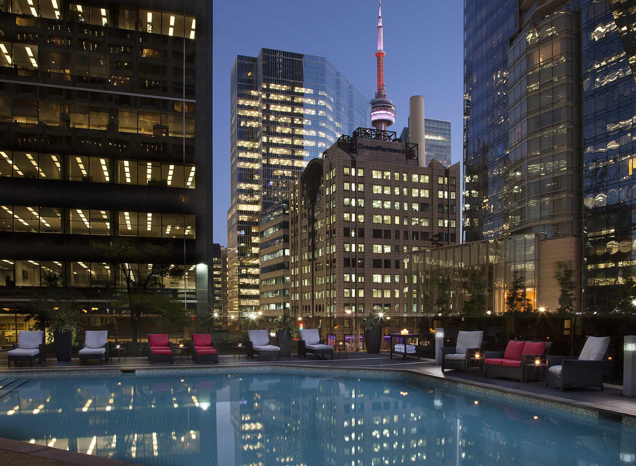 Hot 233 Is Em Toronto Canad 225 Hilton