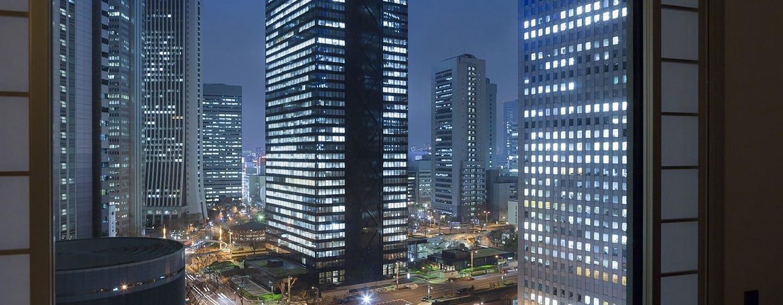 Hilton Tokyo Hotel, Japan – Ausblick bei Nacht vom Gästezimmer