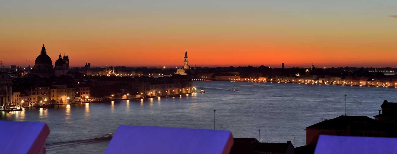 Hôtel Hilton Molino Stucky Venice, Italie - Vue depuis le bar sur le toit Skyline