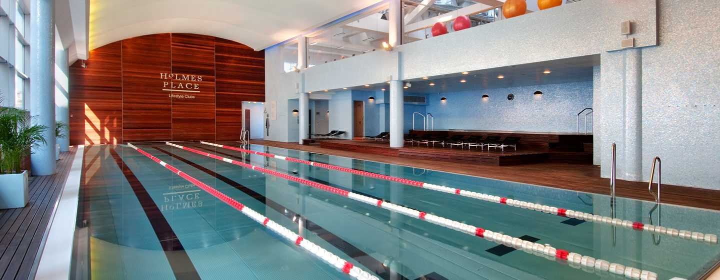 Swimming Pool Convention : Hilton warsaw hotel and convention centre